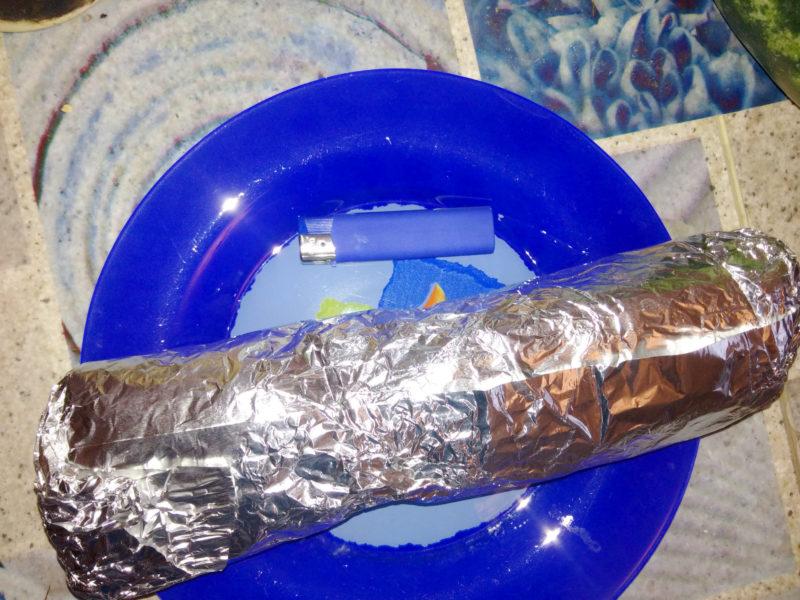 Упаковка телячей шаурмы из третьего Миража