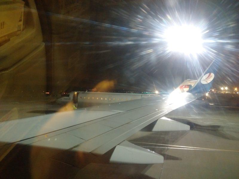 Шаурма из Москвы погружена в самолёт и готовится к взлёту.