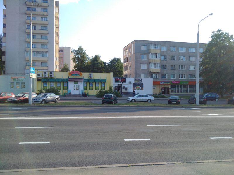 Здание кафе Пиноккио, в котором делают шаурму в Чижовке.